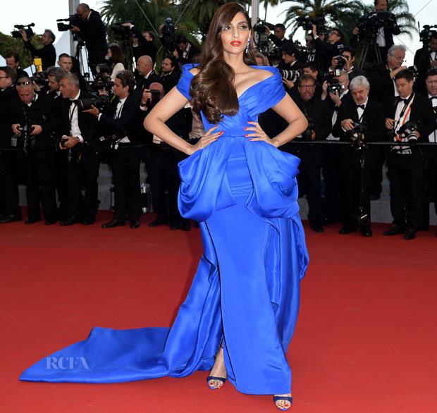 """CANNES, FRANCE - MAY 16:  Sonam Kapoor attends the Premiere of """"The Sea Of Trees"""" during the 68th annual Cannes Film Festival on May 16, 2015 in Cannes, France.  (Photo by Pascal Le Segretain/Getty Images)"""