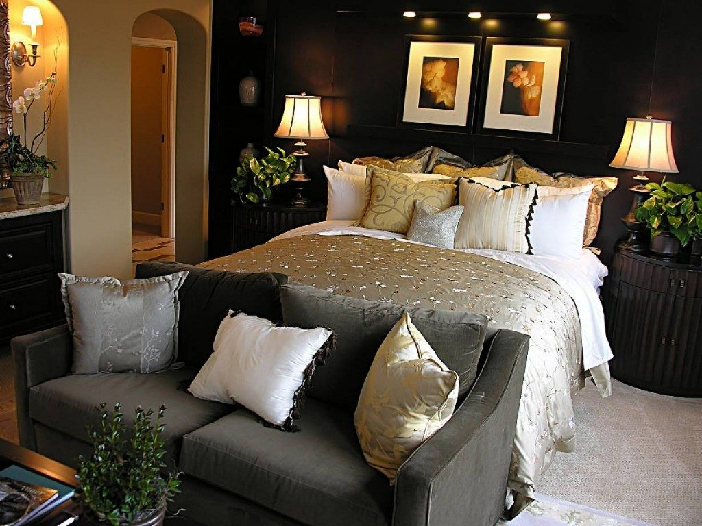 bedrooms-decorating-ideas-5584-inside-awesome-master-bedroom-decorating-ideas-in-bedroom-design-for-your-home-with-master-bedroom-decorating-ideas-with-bedroom-furniture
