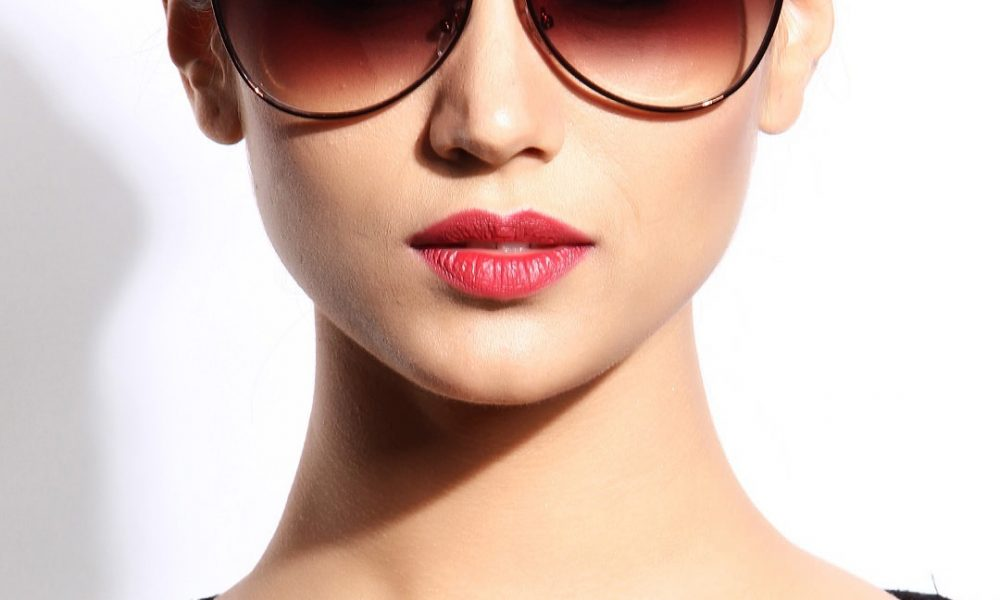 Check out the sunglasses that every woman should own ...