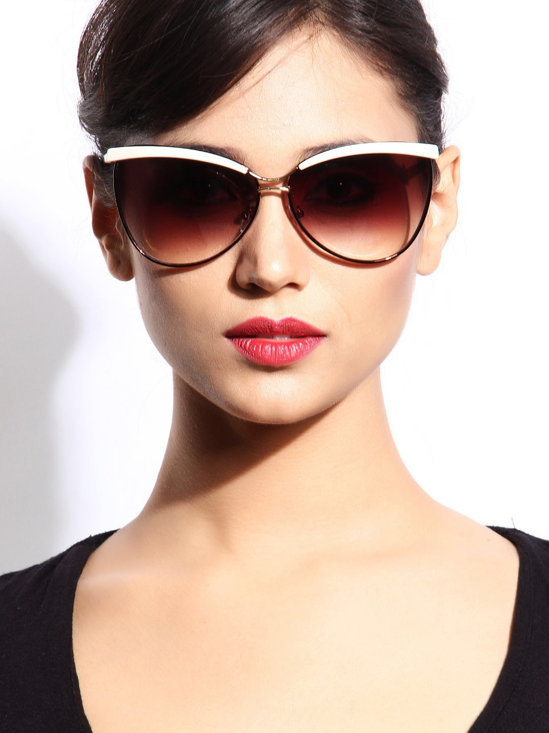 Check out the sunglasses that every woman should own