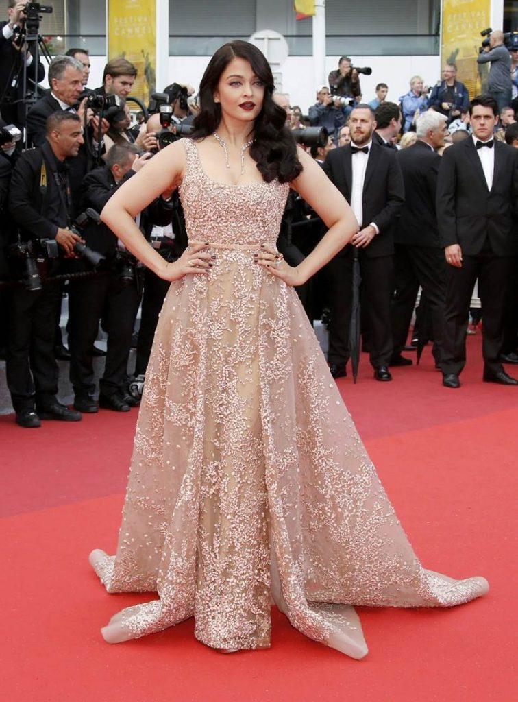 """Actress Aishwarya Rai poses on red carpet as she arrives for the screening of the film  """"The BFG"""" (Le Bon Gros Geant) out of competition at the 69th Cannes Film Festival in Cannes, France, May 14, 2016.REUTERS/Jean-Paul Pelissier"""