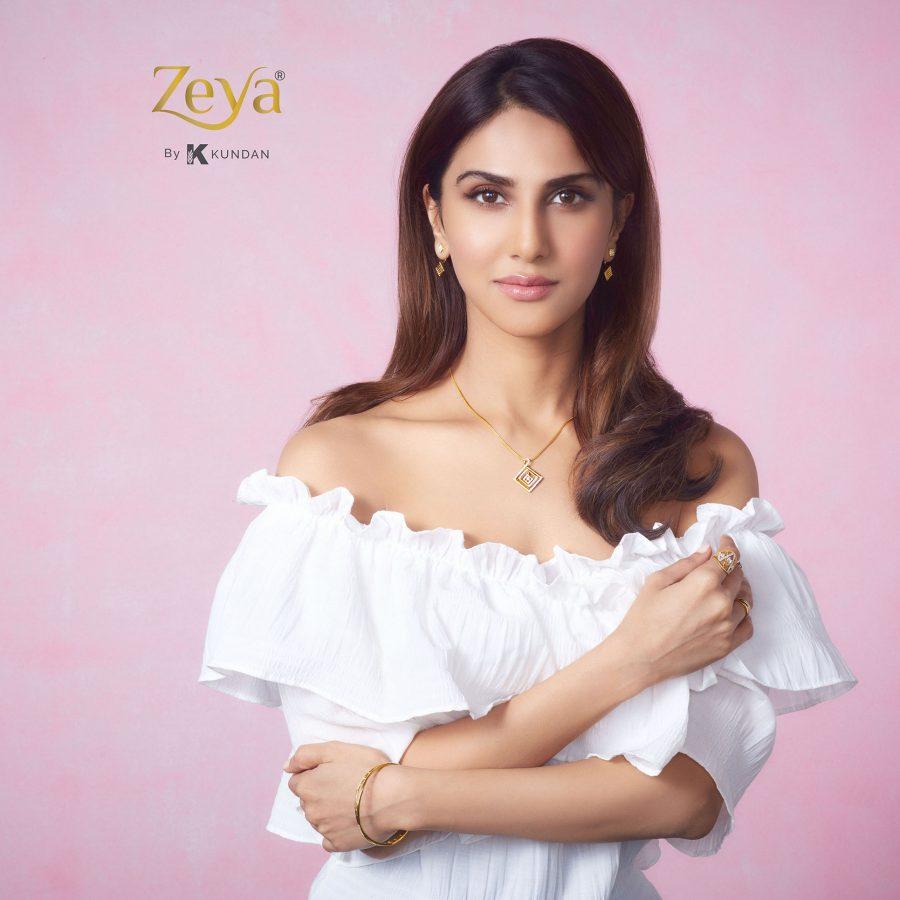 Zeya by Kundan